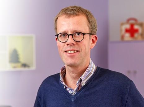 Dr Guy Molitor – pédiatre au Centre de pédiatrie du Val-Ste-Croix, Luxembourg